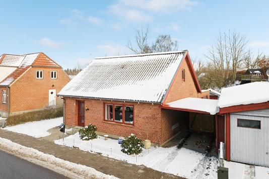Villa på Kirkevej i Egtved - Ejendommen