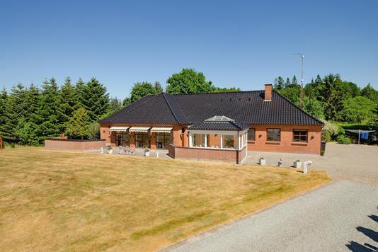 Villa på Bindeballevej i Randbøl - Ejendommen