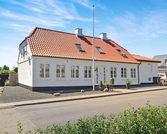 Villa på Skolegade i Nordborg - Ejendommen