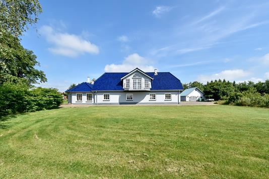 Villa på Tykhøjetvej i Give - Ejendommen