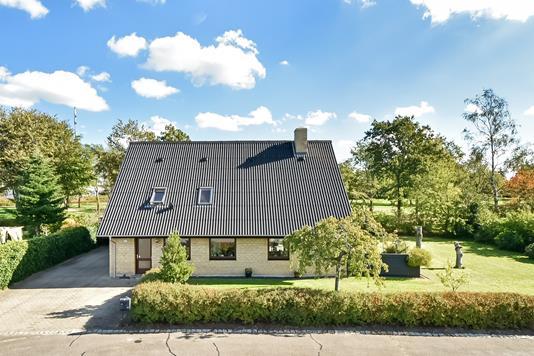 Villa på Plougslundvej i Billund - Ejendommen