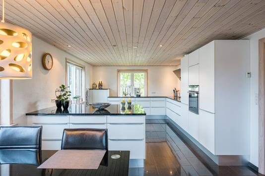 Villa på Torvegade i Hejnsvig - Spisekøkken