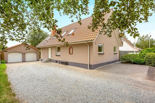 Villa på Gammelbyvej i Give - Ejendommen