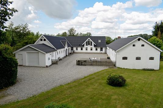 Landejendom på Amlundvej i Gadbjerg - Ejendommen