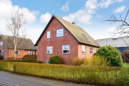 Villa på Tørskindvej i Bredsten - Ejendommen