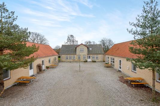 Villa på Hersnap Bygade i Dalby - Ejendommen