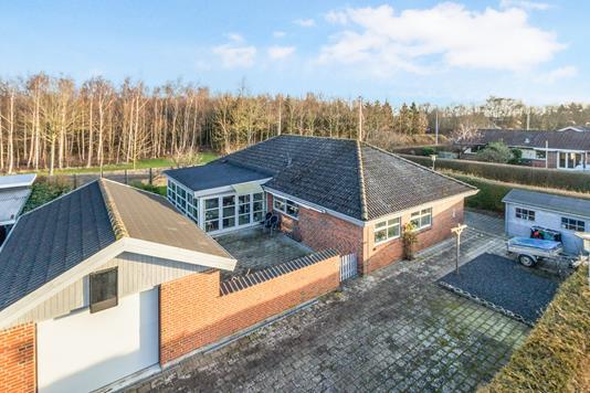 Villa på Damgårds Alle i Kerteminde - Ejendommen