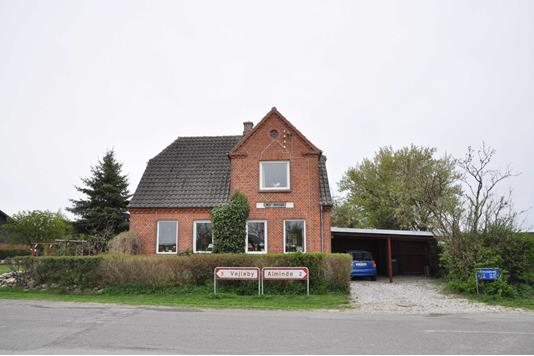 Villa på Landet Kirkevej i Søllested - Ejendommen
