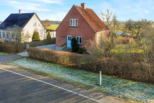 Villa på Nakskovvej i Horslunde - Ejendommen