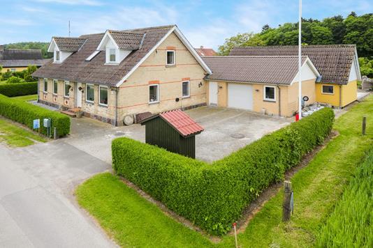 Villa på Skovhusevej i Vesterborg - Ejendommen