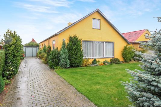 Villa på Karbergs Allé i Nakskov - Ejendommen