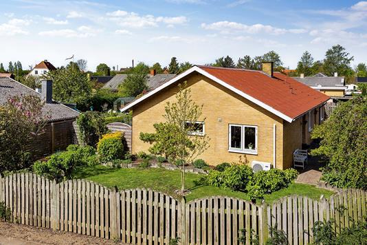 Villa på Haraldsvej i Nakskov - Set fra vejen