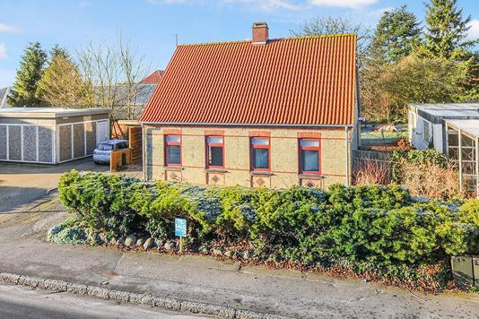 Villa på Hovedgaden i Horslunde - Ejendommen