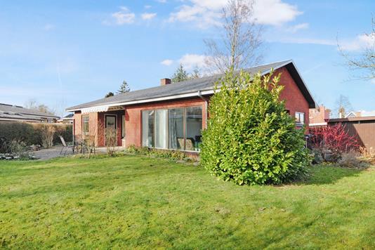 Villa på Møllemarksvej i Nakskov - Ejendommen