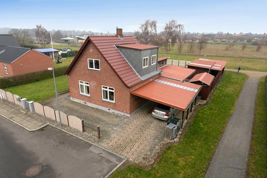 Villa på Abild Allé i Nakskov - Set fra vejen