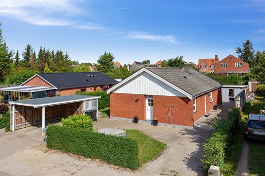 Villa på Skotterup i Nakskov - Set fra vejen