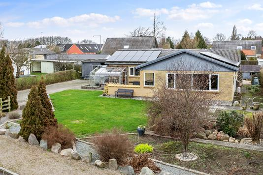 Villa på Mosevænget i Nakskov - Set fra haven
