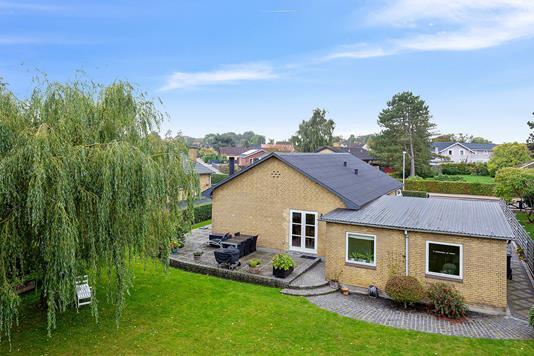 Villa på Møllevænget i Horslunde - Set fra haven
