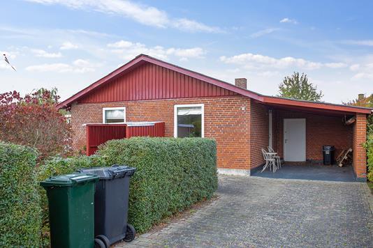 Villa på Kraghgårdsvej i Søllested - Set fra vejen
