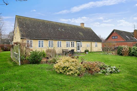 Villa på Fjordvej i Nakskov - Set fra haven