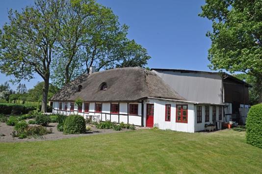 Villa på Sandvejen i Dannemare - Ejendommen