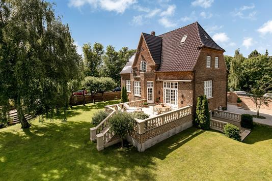 Villa på Ryvangs Allé i København Ø - Ejendommen
