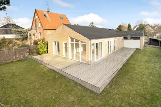 Villa på Nellikevej i Gentofte - Ejendommen