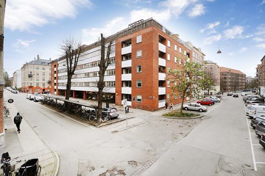 Ejerlejlighed på Halsskovgade i København Ø - Ejendommen