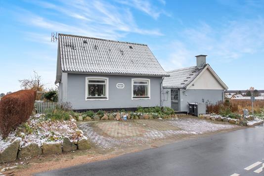 Villa på Stationsvej i Holmegaard - Ejendommen