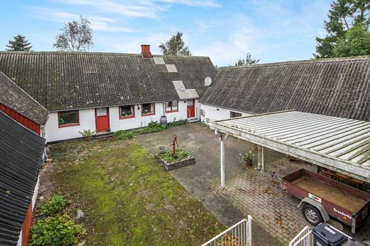 Villa på Kalkerupvej i Holmegaard - Ejendommen
