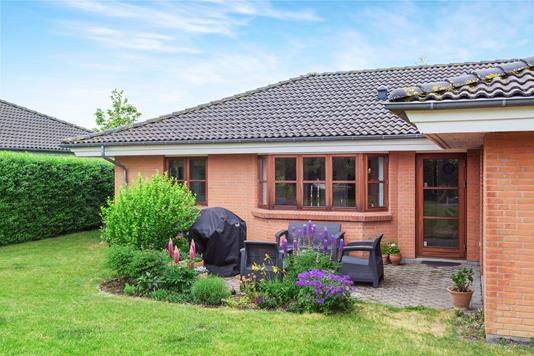Villa på Højmosen i Holmegaard - Ejendommen