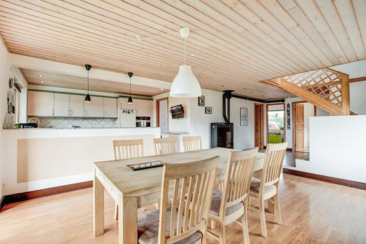 Villa på Degnebakken i Holmegaard - Køkken alrum