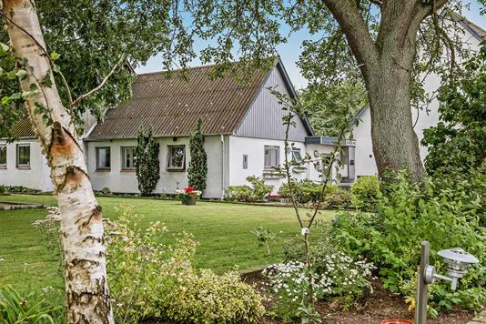 Villa på Loddervej i Holmegaard - Ejendommen