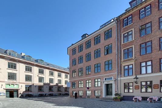 Ejerlejlighed på Hauser Plads i København K - Ejendommen