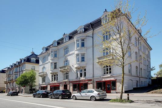 Ejerlejlighed på Strandvejen i København Ø - Ejendommen