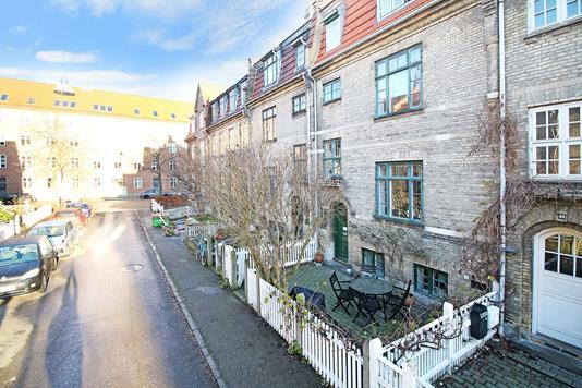 Villa på H.P. Ørums Gade i København Ø - Ejendommen
