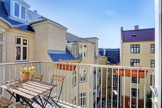 Andelsbolig på Rosenvængets Sideallé i København Ø - Altan