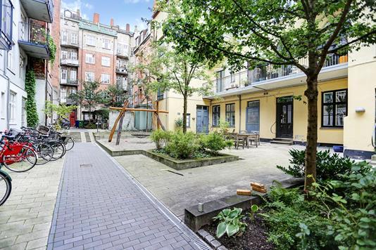 Ejerlejlighed på Nyborggade i København Ø - Gårdmiljø