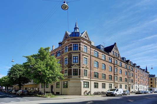 Ejerlejlighed på Helsingborggade i København Ø - Ejendommen
