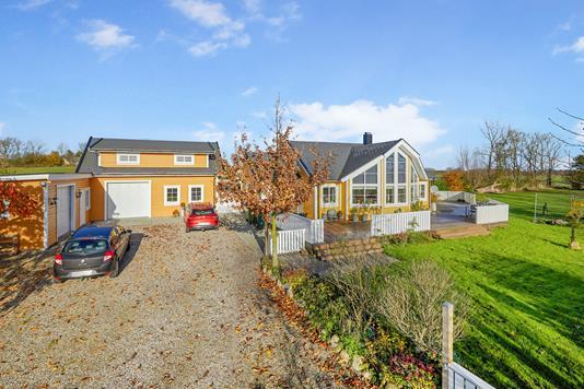 Villa på Skovsbyvej i Vissenbjerg - Ejendommen