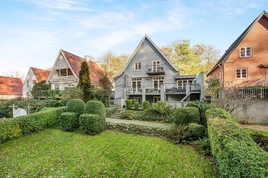 Villa på Åløkkevænget i Odense C - Ejendommen