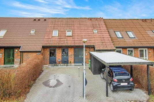 Villa på Klokkens Kvarter i Odense SØ - Ejendommen