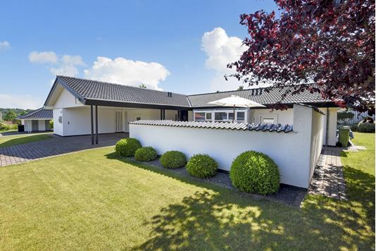 Villa på Dyrupgårdvænget i Odense SV - Ejendommen