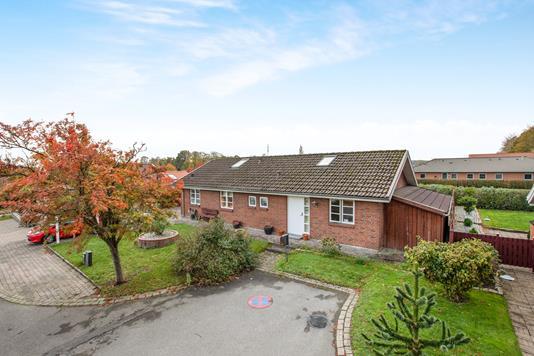 Villa på Græshoppevænget i Odense S - Ejendom 1