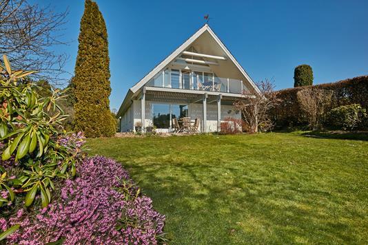 Villa på Karen Blixens Vej i Rungsted Kyst - Ejendommen
