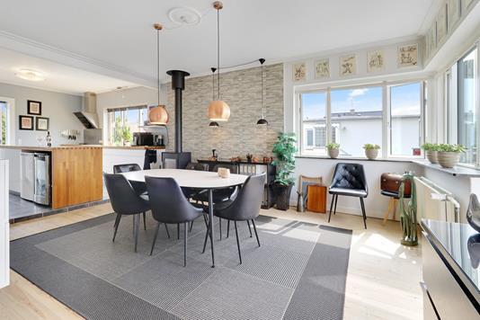 Villa på Elme Alle i Hvidovre - Spisestue