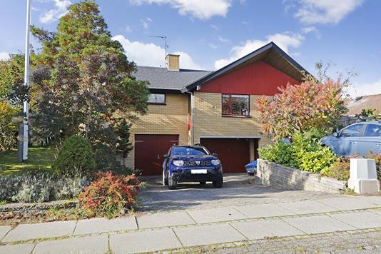 Villa på Ålholmparken i Hillerød - Ejendommen