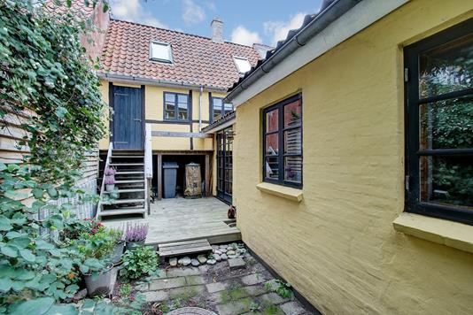 Villa på Bakkegade i Hillerød - Ejendommen