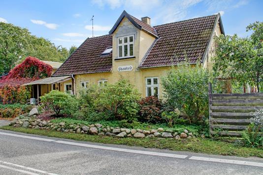 Villa på Lystrupvej i Slangerup - Ejendommen