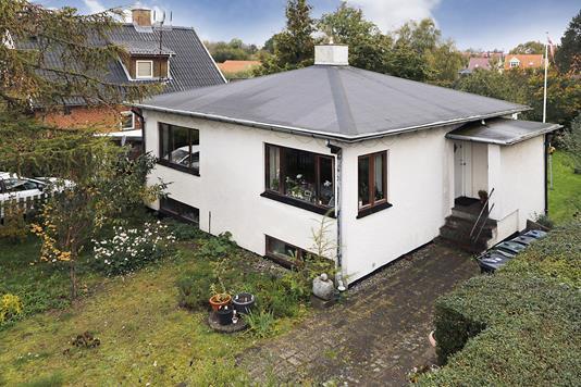 Villa på Jagtvej i Hillerød - Ejendommen
